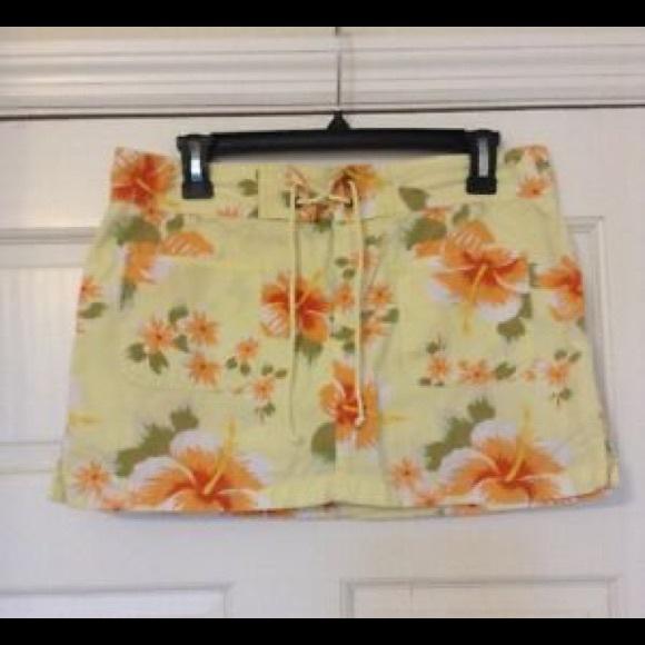 Old Navy Dresses & Skirts - OLD NAVY SKIRT HAWAIIAN PRINT FLORAL SZ 4